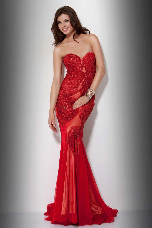 Dama bine in rochie rosie